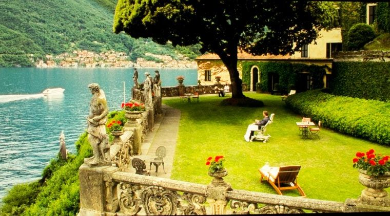 VPL-VW885ES_bond_lake